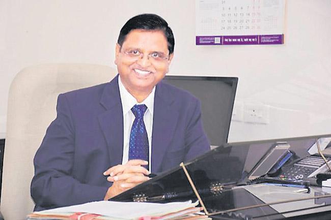 Rupee slips 10% vs US Dollar in 2018: Is India 'Fragile again? - Sakshi