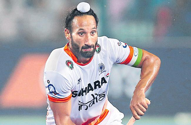 Sardar Singh set to retire from international hockey - Sakshi