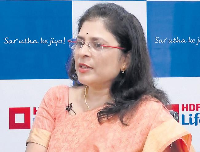 HDFC Life elevates Vibha Padalkar as MD and CEO - Sakshi