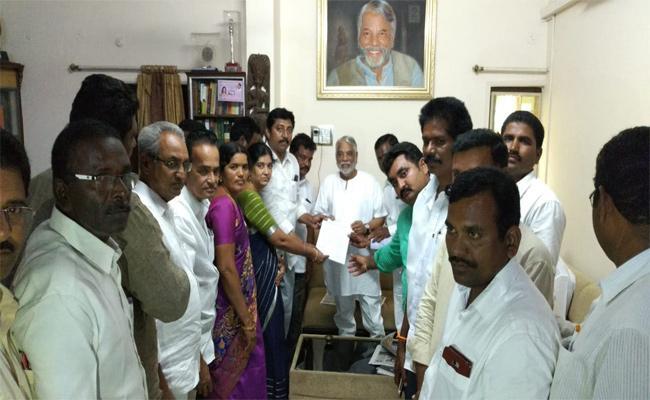 TRS Leaders Meet To MP Keshava Rao Khammam - Sakshi