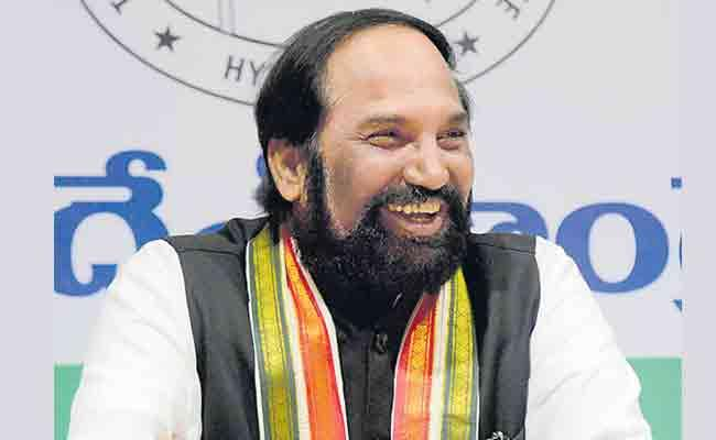 Uttamkumar Reddy Slams KCR And Harish Rao Over Unfair Arrests - Sakshi