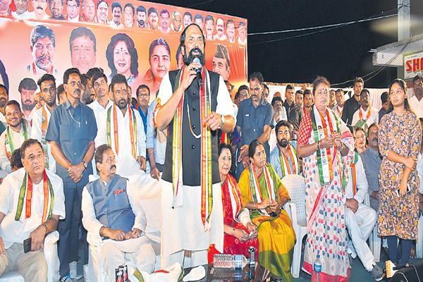 Uttam Kumar Reddy fires on KCR and Harish Rao - Sakshi