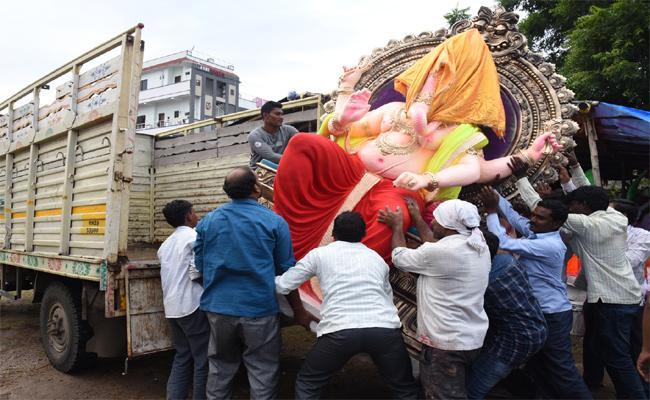Vinayaka Chavithi Celebrations  In Adilabad - Sakshi