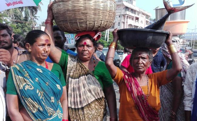 Chandrababu Neglect On Fishermens Wellfare - Sakshi