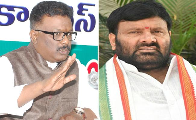 Telangana Congress Leaders Meet DGP Mahendar Reddy - Sakshi