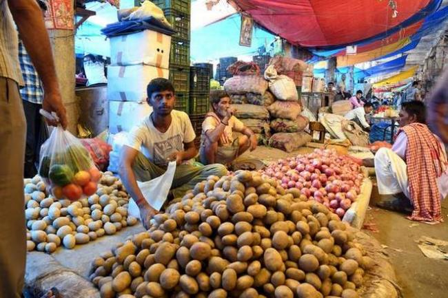 Wholesale Price Index Eases to 4.53 Percent  in August - Sakshi