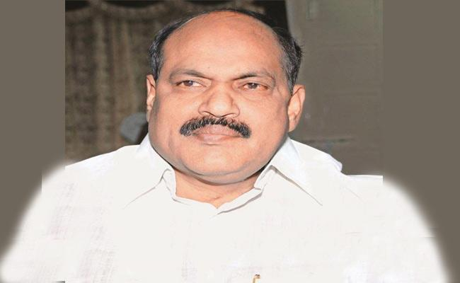 Bajireddy Govardhan Slams Bhupathireddy In Nizamabad - Sakshi
