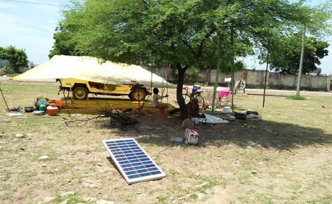 Nomadic family Use Solar Panel For Electricity Supply - Sakshi