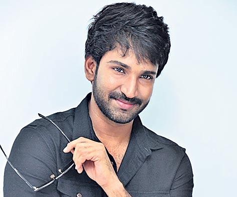 aadhi pinisetty about u turn movie - Sakshi