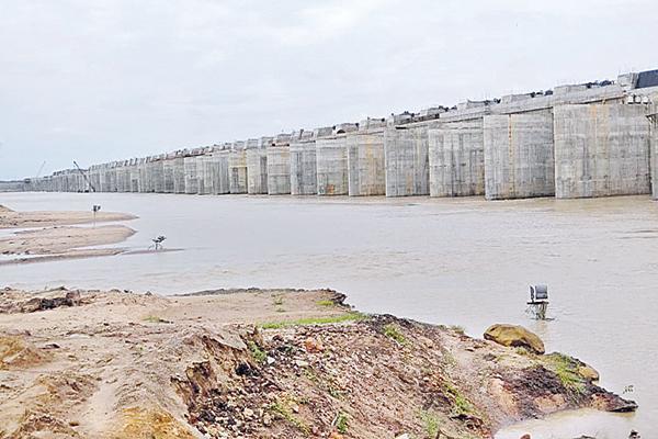 Kaleshwaram water to Bhuvanagiri district - Sakshi