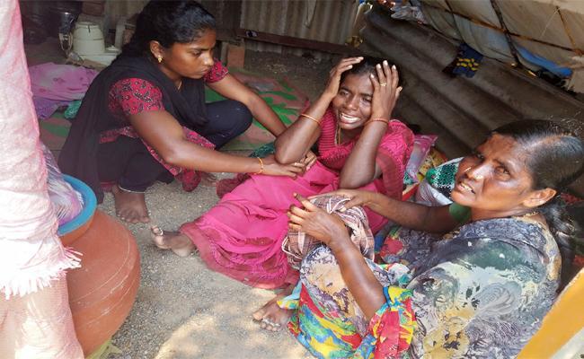 Family Died In Power Shock In Guntur - Sakshi