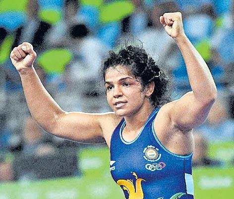 Wrestler Sakshi Malik sails into final, Pooja Dhanda to fight for bronze