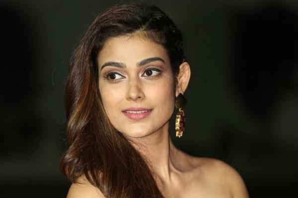 Akanksha Singh's few interesting things - Sakshi