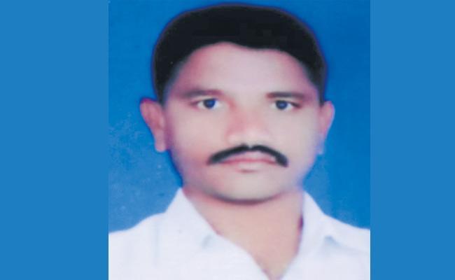 Former MLA Nallala Odelu Follower Gattaiah Died In Hyderabad - Sakshi