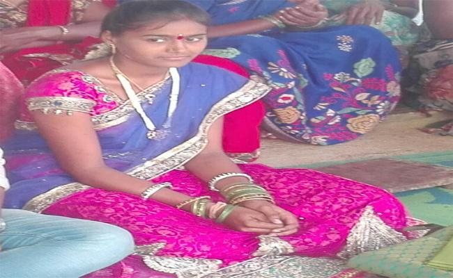 Dowry Harassment Women Suicide In Karimnagar - Sakshi