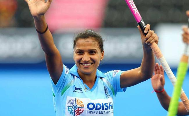 Rani Rampal Named Indias Flag Bearer For Closing Ceremony - Sakshi