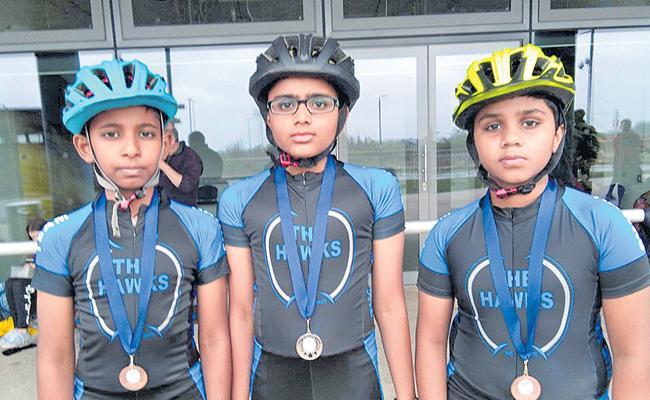 Telangana Skaters win Three Medals - Sakshi