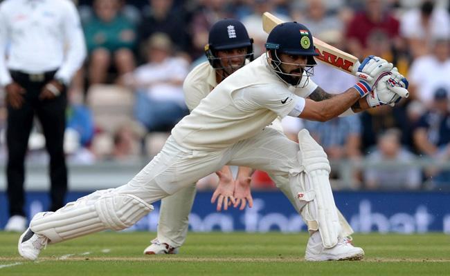 India Loss Virat Kohli Wicket Agianst England - Sakshi