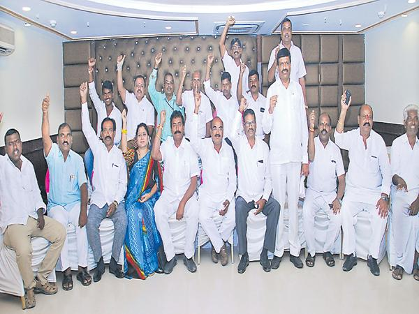 Reddy JAC demands KCR about Reddy issues - Sakshi