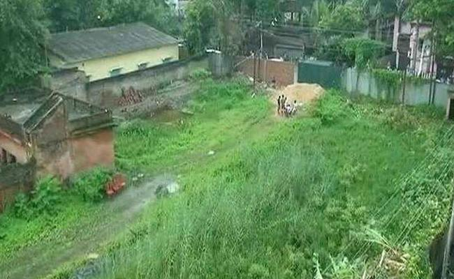 14 Newborns Bodies Found In Empty Place In Kolkata - Sakshi