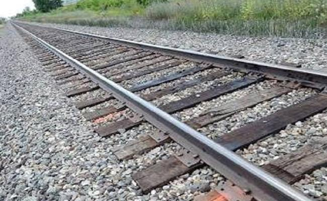 Lovers Suicide Attempt In Rajampet, YSR Kadapa District - Sakshi
