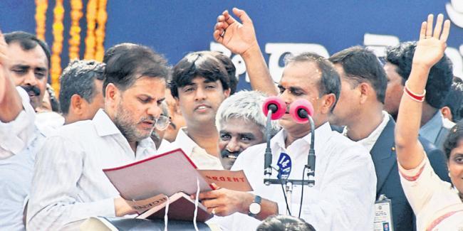 Implementation of schemes in YS Rajasekhara Reddy ruling - Sakshi