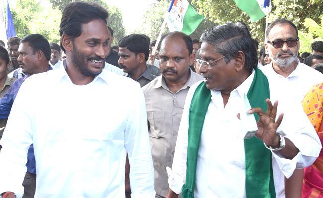 YS Jagan Speech At Praja Sankalpa Yatra In Chodavaram  Visakhapatnam  - Sakshi
