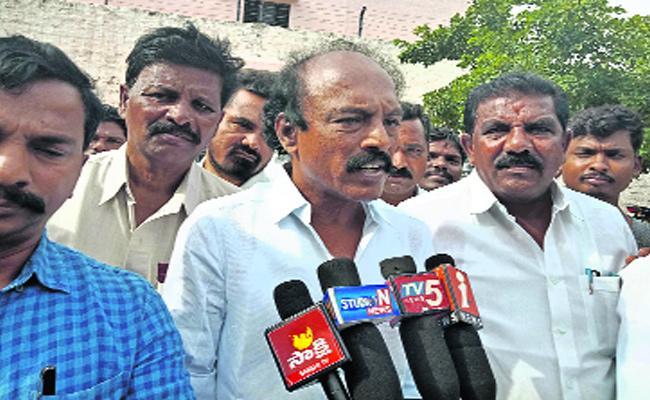 YSRCP MLA Visweswara Reddy Fire On JC Brothers - Sakshi