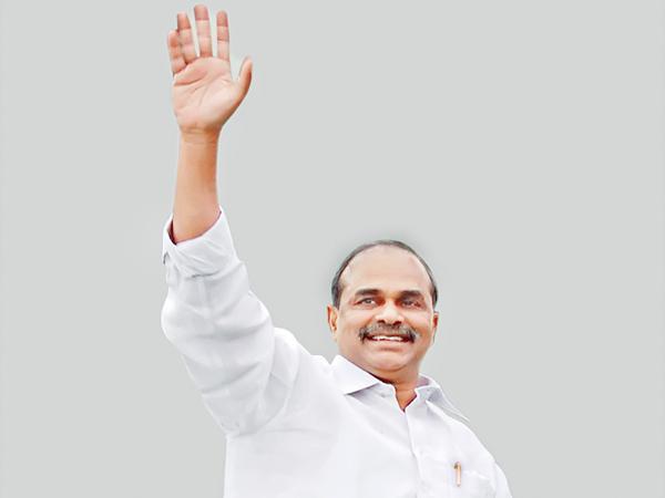 Mahaneta YS Rajasekhara Reddy always in peoples heart - Sakshi
