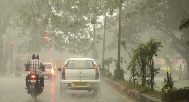 Heavy Rain Forecasts In Coastal Andhra - Sakshi