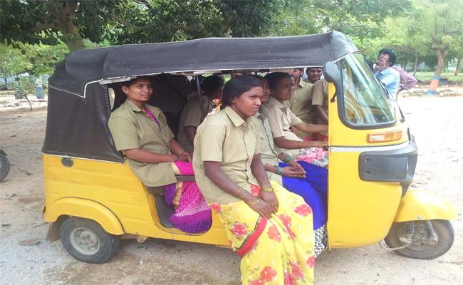 Auto Driving Training For Women In Anantapur - Sakshi