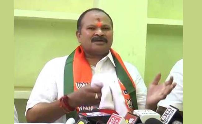 Kanna Laxminarayana Slams Chandrababu Naidu On Election Alliances - Sakshi