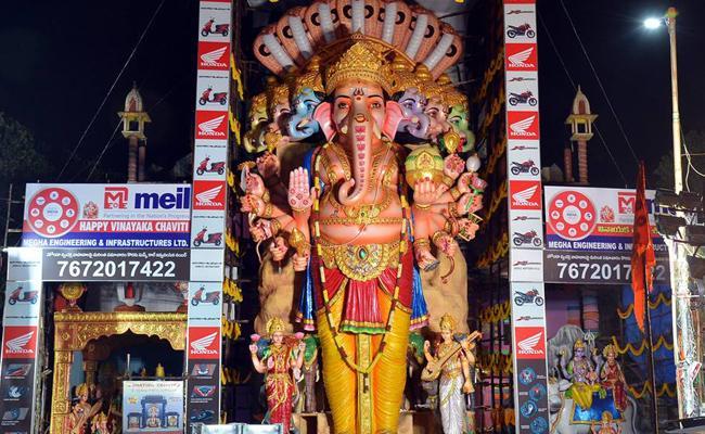 Khairatabad Ganesh Immersion Will Be On Sunday Morning - Sakshi