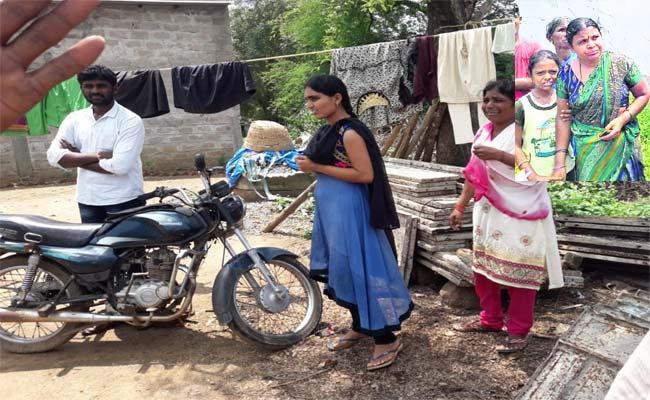 Girl Kidnapping Case In Warangal - Sakshi