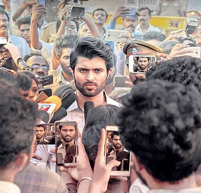 vijay devarakonda nota movie tamil entry - Sakshi