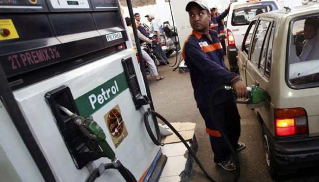 Fuel Prices Continue Upward Run Across Metros - Sakshi