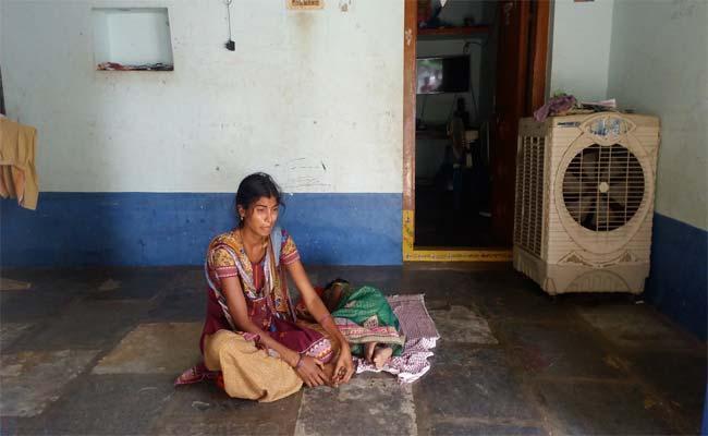 Husband Harassment Case In Warangal - Sakshi