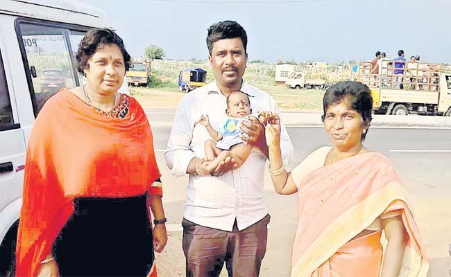 Women  Selling Male Child In Rangareddy - Sakshi