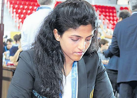 Chess Olympiad: Indian Men, Women Start on a Winning Note - Sakshi