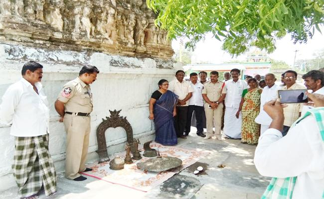 Endowments Department Recovered Statues In YSR kadapa - Sakshi
