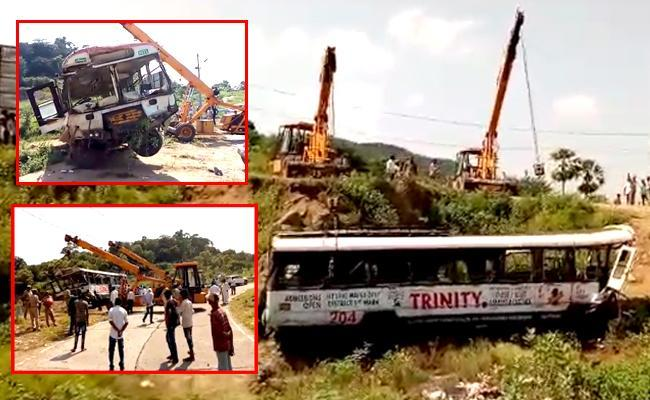 Kondagattu Bus Accident victims can go home says Hospital Officials - Sakshi