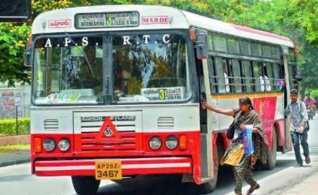Experts Ask To Special Buses For Ladies In Hyderabad City - Sakshi