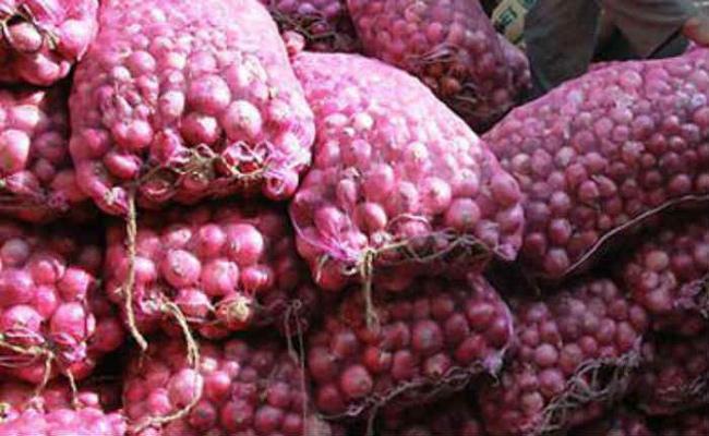 Onion Price Decreased In TDP Govt - Sakshi