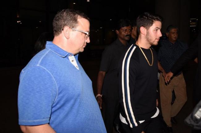 Nick Jonas Father Paul Jonas Files for Bankruptcy - Sakshi
