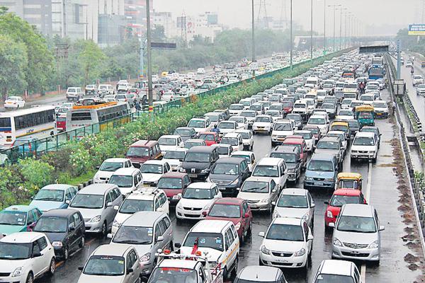 Kerala floods hit passenger vehicle sales in August - Sakshi