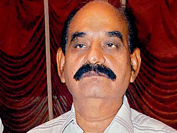 Disputes In Kurnool Nandyal TDP Over Wakf Board Lands - Sakshi