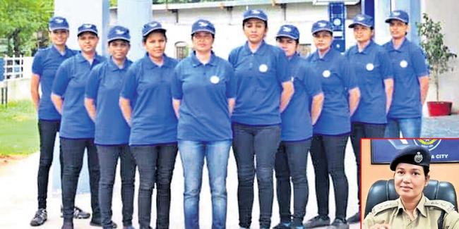 Suraksha setu team in gujarat - Sakshi
