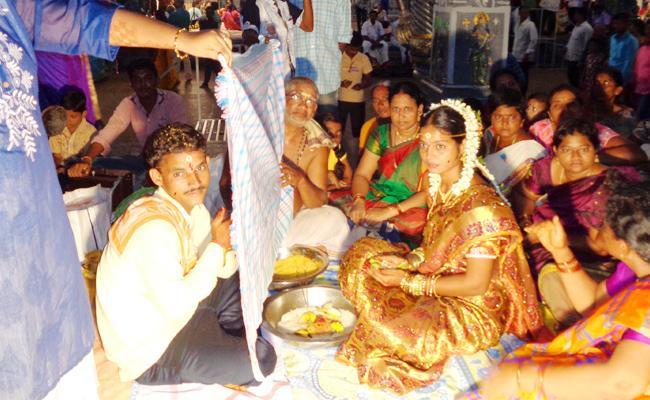 Marriages In WestGodavari Dwaraka Tirumala Temple - Sakshi