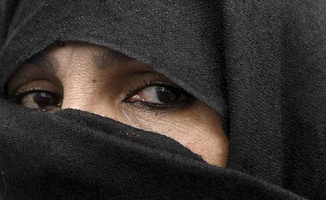 Woman Alleges Forced To Undergo Nikah Halala And Molested By Her Father In Law In UP - Sakshi