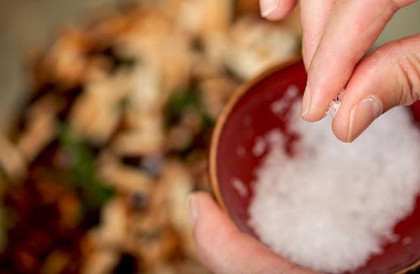 IIT Bombay study reveals plastic in popular salt brands - Sakshi